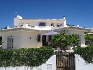 Villa 3 bed sleeps 6 , private pool, ideally located for golf, beaches, mountain