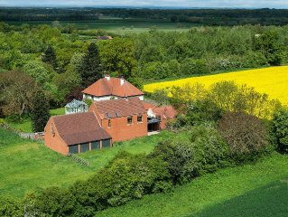 .Beautiful Barn in N York's,lovely views,peaceful  surroundings yet easy access.