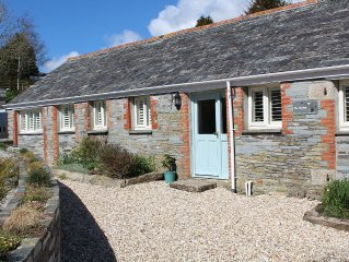 3 bed detached cottage, large garden, quiet location, 2 miles to coast