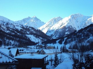 Beautiful duplex with large south-facing terrace with views over the Galibier