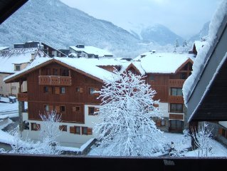 Well equipped apartment with wonderful views - edge of town nearest Telecabine.
