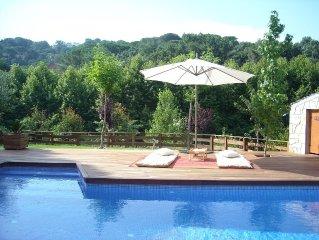 Casa con gran piscina privada, ping pong, barbacoa, huevos frescos cada dia.