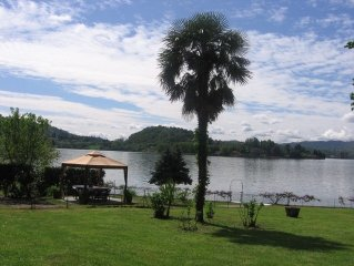 STUNNING LARGE APARTMENT WITH VIEW, GARDEN AND DIRECT ACCESS TO LAKE ORTA