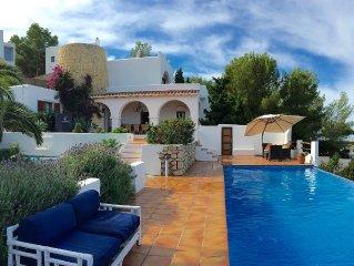 Idyllic hill top villa with fabulous sea views & near best restaurants & beaches