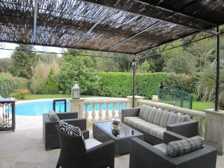 Amazing location, 5 bedroom villa, with private pool and air-con, walk into Biot