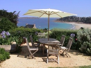 Lovely house close to beach with stunning sea views