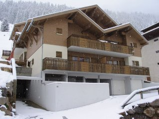 Modern Luxury Apartment in Chatel, only 100m from Lifts and Resort Centre.