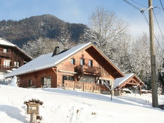 Very comfortable chalet on the mountain, for 8 to 10 people.