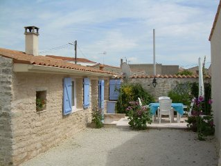 Character house in local stone, pool. classified **** in prefecture