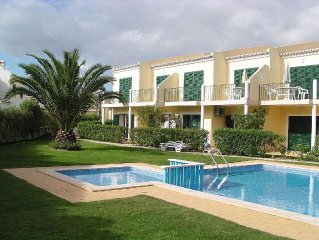 Lovely Grd Flr Apt, Sleeps 4, With Pool In A Peaceful Location: licence 22079/AL