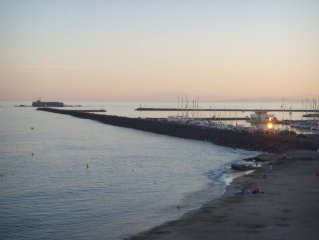 Grande villa en premiere ligne sur plage,  vue exceptionnelle, grand jardin clos