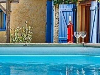 Spacious Character Village House with Pool, near Village Centre, Canal du Midi,