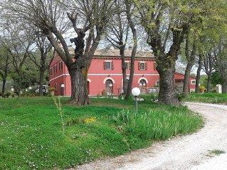 La Meridiana casale vicino al mare nel verde di Serrungarina PesaroUrbino