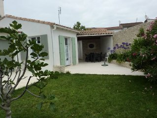 rethaise charming home, excellent location, near the sea, shops ...
