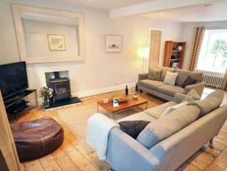 Seawater cottage in beautiful St Ives with car parking