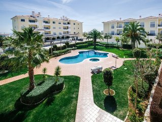 Ideal for families, Resort with a pool, close to