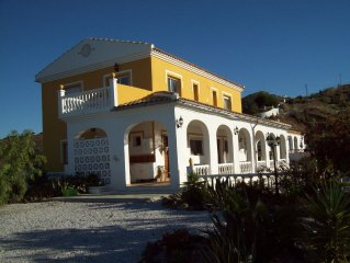 Beautiful Spacious 6 Bedroom Villa With Stunning Mountain And Sea Views.