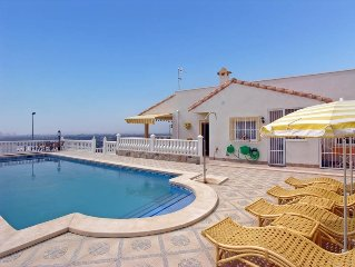Spacious detached villa near Alicante, big private swimming pool, sea views WIFI