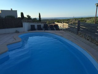 Detached Villa, 5* Reviews, A/C, Wifi, UK TV, Private Pool, Sea/Mountain Views