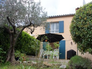 Provencal house with panoramic view and a garden
