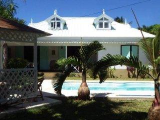 PROMO.Villa de Luxe et Tradition creole.Residentiel,calme.La plage a 400 metres.