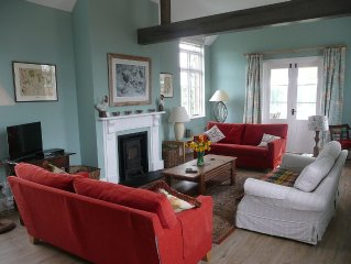Country house near Canterbury, shared use of tennis court & pool, dog friendly.