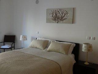 Luxurious 2 bed Apartment - full wifi and TV Quinta Das Palmerias Central Lago