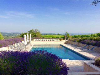 Authentic farmhouse in Luberon national park with large private pool