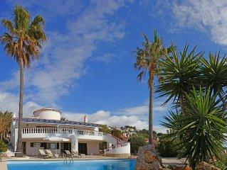 Esplendida villa con vistas al mar