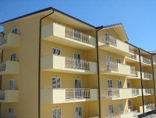 Caulonia Marina new apartment with POOL, 5 minutes walk to the beach
