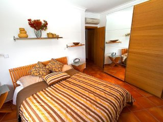 Spacious, Modern, 3 Bedroom Apartment with pool, child's pool, and Sea Views.