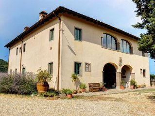 Amazing villa with pool, air conditioning, stunning view in the heart of Tuscany