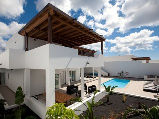 Luxury Villa With Private Pool And Sea Views