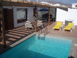 Beautiful Villa with Private Heated Pool, Air Con