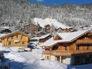 Luxe chalet, centrum dorp, loopafstand ski, restaurant, zwembad, ijsbaan