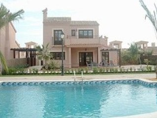 Luxury 3 Bedroomed Detached Villa with Shared Pool and Air Conditioning