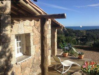 Maison de Charme en pierre vue baie de Rondinara, Sardaigne et Iles Lavezzi
