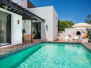 Luxury villa with private pool, 5 mins from beach in the heart of Costa Teguise.