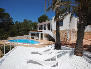 Private Villa with Pool, only 400m from Cala Gracio Beach