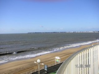 La Baule: La Baule FACE Wed, stunning 180 o view over the bay