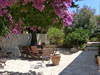 Villa on the edge of a medieval town near Dubrovnik, 5-minute walk to the beach
