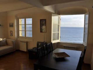 Caratteristico  appartamento nella passeggiata a mare