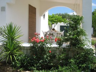 Casa di campagna circondata da ulivi, a pochi km da Ostuni e dal mare