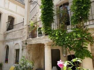 A luxury Roman 17th century mansion in the historic centre of Saint Rémy