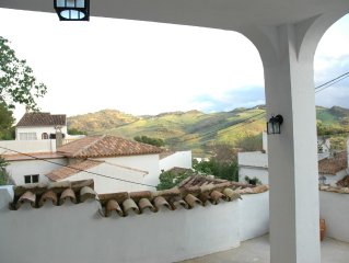 A unique property in a traditional pueblo blanco