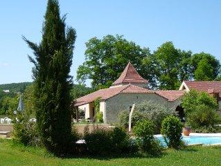 3 luxe vakantiehuizen met zwembad in Dordogne/Lot op klein landgoed