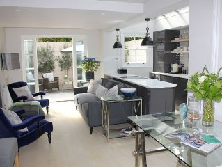 Beautiful Chelsea 2 Bedroom Pied-A-Terre With Garden Terrace