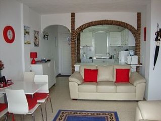 Casa Fads - Large Apartment with Sea Views with Free Wifi & Air Conditioning