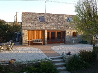 Cosy Lodge Set In An Idyllic Location Surrounded By Open Countryside