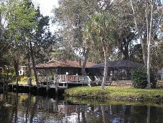 River Retreat With Deep Water Dock, Private Heated Pool, Double Kayak & 2 Cycles